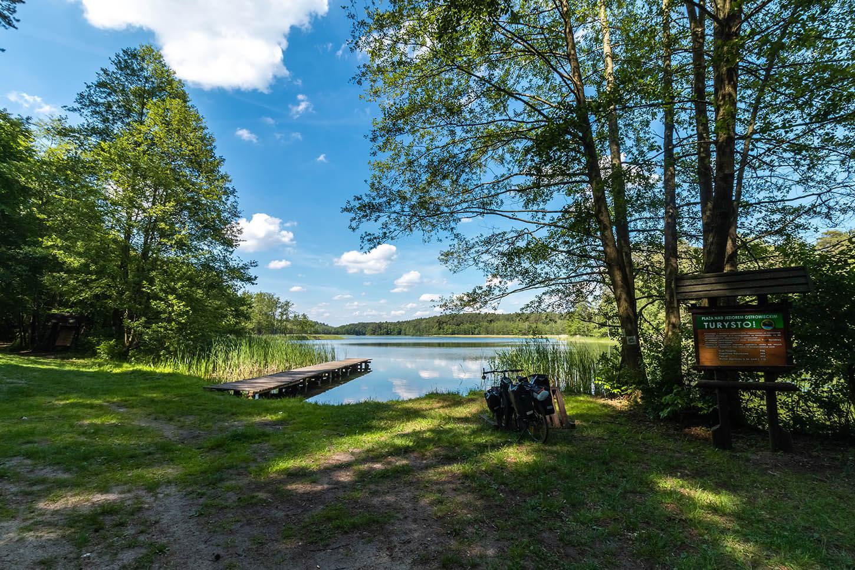 Jezioro Ostrowiec wDrawienskim Parku Narodowym