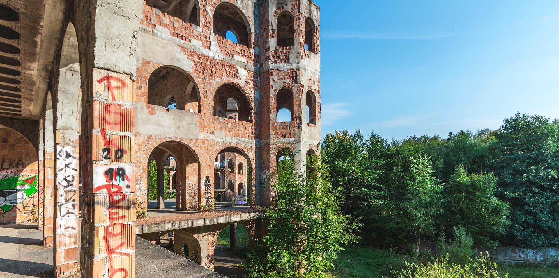 Zamek w Łapalicach. Samowola budowlana, która stała się atrakcją Kaszub.