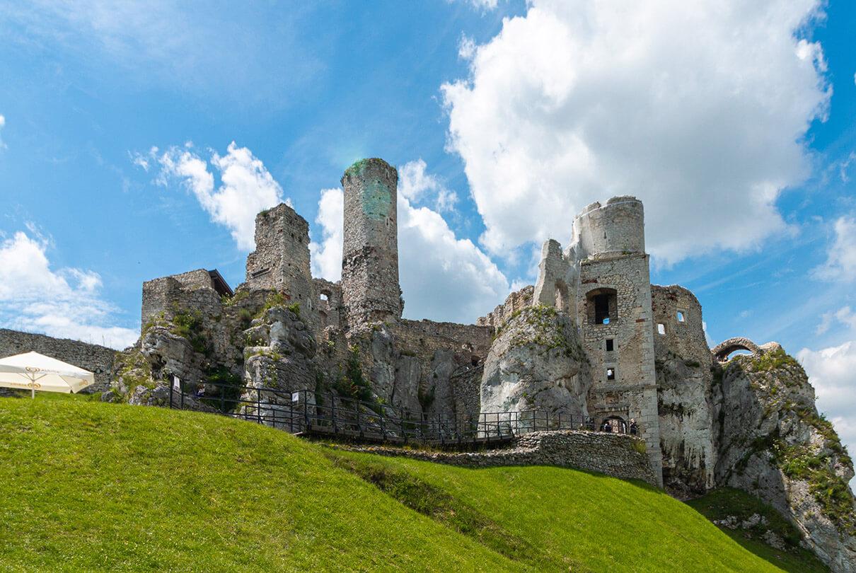 Zamek Ogrodzieniec atrakcje